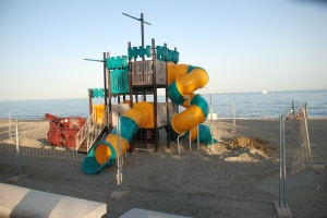 Kids´playground closed in July on San Pedro beach.